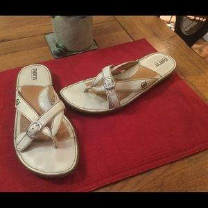 Born Cream Leather Sandals EUC